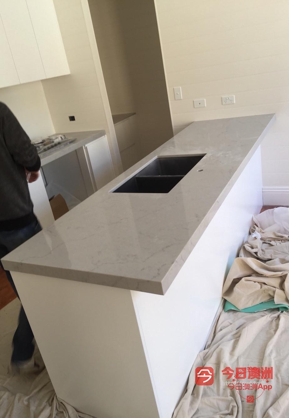 平价厨房橱柜大理石台面厨房台面安装设计
