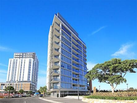 Sydney 跳楼价近火车站顶层复式公寓2次卧出租