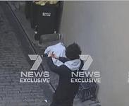 最新视频!割喉妓女后持刀者竟在后巷自拍!6分钟后到悉尼CBD制造血案!(视频/组图)