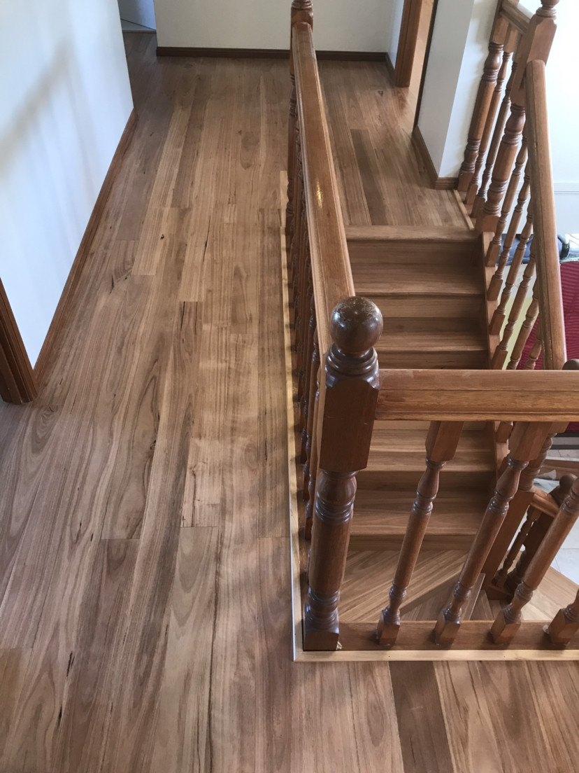 价格实惠 免费上门估价 专业安装拆换维修地板