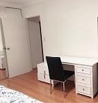Hurstville      豪华公寓出租一间阳光masteroom 带阳台和车库