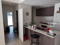 Parramatta 近新公寓次卧阳台200全包 小间100