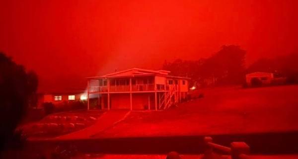 维州东部爆发山火