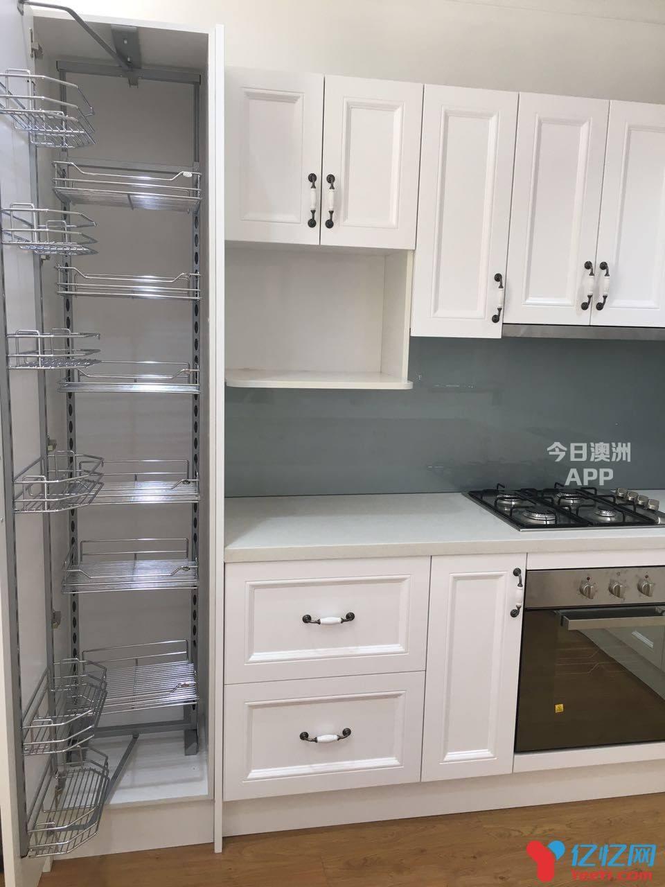 厨房橱柜大理石和人造石台面Splash Back