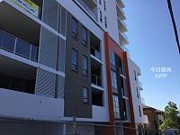 Auburn  22 Station rd 新2房1厅2卫1车位保安公寓降价整租包家具家电
