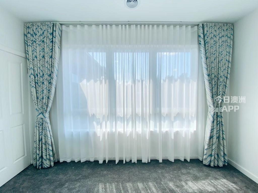 墨尔本工厂直销窗帘卷帘防盗门无中间环节十年老店提供质保