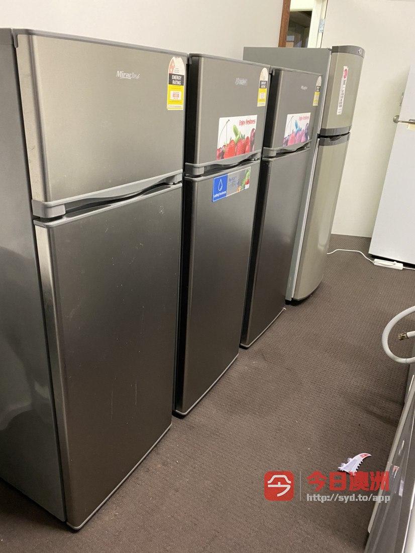 电视柜冰箱洗衣机桌子板凳低价出售有需要联系