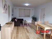 Burwood             带家具 新装修 一房一厅近火车站