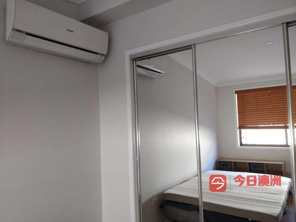 Runcorn    两间空调新房独立卫浴交通餐饮方便即住