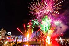 想要度过火热激情的冬季夜晚吗?墨尔本Docklands火光节震撼来袭!(组图)