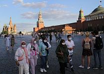 新冠卷土重来?中国老人旅游团疫情扩散多省区,俄罗斯英国单日确诊创新高(组图)