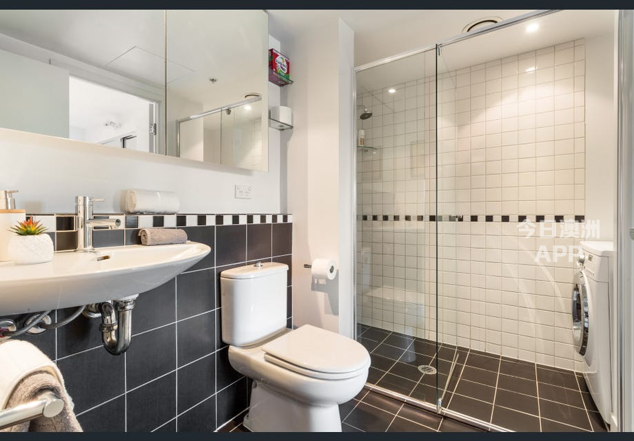 Melbourne City Fully Furnished One Bedroom Apartment
