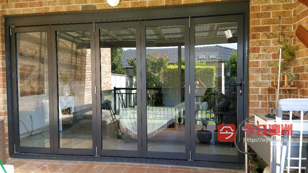 专业铝合金玻璃门窗纱门纱窗钢网门0402566873